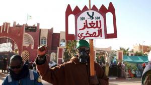 احتجاج ضد استخراج الغاز الصخري في مدينة عين صلاح بالصحراء الجزائرية. Foto: Billal Bensalem/ABACAPRESS.COM