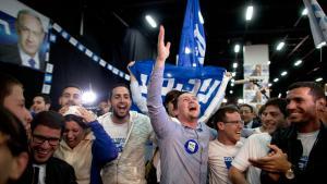 أنصار نتينياهو يحتفلون بنتيجة الانتخابات في تل أبيب 17 / 03 / 2015. photo: Getty Images/L. Mizrahi
