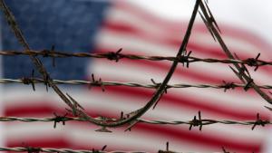 صورة تعبيرية عن معتقل غوانتانامو الأمريكي. Foto: picture-alliance/AP Photo/B. Linsley