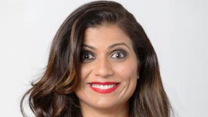 الفنانة الكوميدية المسلمة منى شيخ (photo: Ash Gupta/838 Media Group)