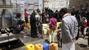 يمنيون في صنعاء. Foto: Reuters