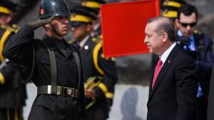 """إردوغان 24 / 04 / 2015 أثناء فعالية تذكُّر """"شهداء معركة جاليبولي"""". (photo: Getty Iamges/ C. Koall)"""
