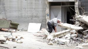 Syria (photo: picture-alliance/epa/Y. Badawi) مخيم اليرموك في دمشق سوريا