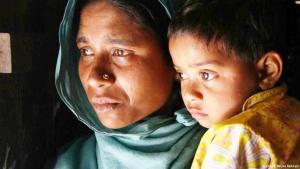 وجهت منظمة هيومن رايتس في تقرير اتهامات لميانمار بتنفيذ حملة تطهير عرقي ضد أقلية الروهينيغيا المسلمة. وتحدث التقرير عن إثباتات بخصوص وجود مقابر جماعية وعمليات ترحيل قسري لعشرات آلاف السكان المنتمين لأقلية الروهينغا ويبلغ عدد الروهينغا حوالي 800 ألف شخص يقيمون في ولاية راخين، وتعتبرهم الأمم المتحدة إحدى الأقليات الأكثر تعرضا للاضطهاد في العالم. وقد حرمهم المجلس العسكري الحاكم سابقا من الجنسية. وتفيد الأمم المتحدة أن أكثر من 13 ألف شخص من الروهينغا فروا بحرا عام 2012 من ميانمار وبنغلادش من أعمال العنف.