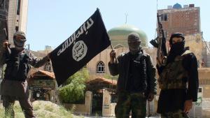 """مقاتلو تنظيم """"الدولة الإسلامية"""" في مخيم اليرموك بسوريا; Foto: picture-alliance/abaca/Balkis Press"""