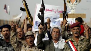 متمردون حوثيون في صنعاء. Foto: Reuters/K. Abdullah