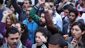 الثورات العربية تحرك تاريخي. متظاهرون في بيروت في فبراير 2013