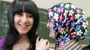 صورة  لمهاجرين في دورة  خاص بالاندماج، الصورة: د.ب.ا