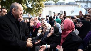 أكَّد أردوغان وحزب العدالة والتنمية على أهمية فوز الحزب بالأغلبية البرلمانية من أجل الاستقرار السياسي في تركيا