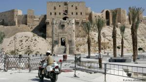 قلعة حلب الأثرية التي تعتبر أيضا من أبرز معالم المدينة السياحية وهي مدرجة ضمن التراث العالمي. لم تتأثر بشكل كبير من الحرب لكن في أغسطس 2012 تعرضت بوابتها الخارجية لأضرار نتيجة قصفها إثر اشتباكات دارت بين الجيش السوري الحر والجيش السوري النظامي في محاولة السيطرة على القلعة.