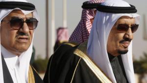 الملك السعودي سلمان مع ابن أخيه نايف..Foto: Reuters