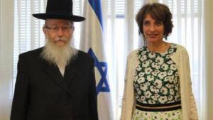رفض وزير الصحة الإسرائيلي ياكوف ليتزمان مصافحة نظيرته الفرنسية مارسيول توران