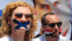 """بشكل عام بقيت منطقة الشرق الأوسط وشمال إفريقيا """"واحدة من أصعب وأخطر المناطق على الصحفيين"""". وفقد عشرات الصحفيين حياتهم بينما يقبع آخرون في السجون، أو يعانون من الترهيب والرقابة."""