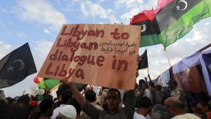 في بنغازي احتجاج الليبيين ضد مرشحي الأمم المتحدة المقترحين لحكومة وحدة وطنية. Foto: Reuters/E.O.  Al-Fetori