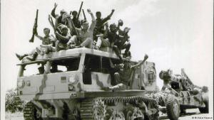 عرض مهرجان برليناله هذا العام فيلماً وثائقياً للمخرجة الإسرائيلية مور لوشي. يتناول هذا الفيلم تسجيلات صوتية لجنود إسرائيليين كانوا قد عادوا للتو من حرب عام
