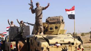 الجيش العراقي قُرب الفلوجة. Foto: Reuters/A. Al-Marjani