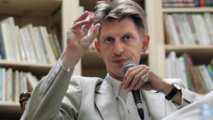 مراسل يومية لوموند الفرنسية  -الصحفي الأمريكي الفرنسي جوناثان ليتل