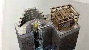 """أنموذج العجلة الآلية التي اخترعها """"المرادي"""". من أعمال المهندس الأندلسيّ أحمد بن خلف المرادي. معرض الاختراعات الإسلامية القديمة في ألمانيا  Allahs Automaten . Al-Muradi"""