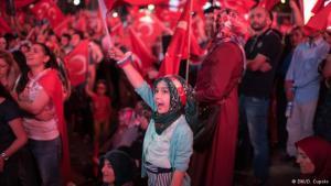 """""""جنود أردوغان"""".. مدنيون في الساحات ضد غدر العسكر!"""