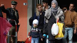 لاجئون