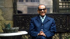 الأديب المصري الكبير نجيب محفوظ. Photo: Barry Iverson (11 December 19011 - 30 August 2006)