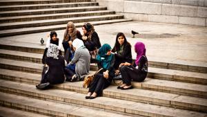 شابات مسلمات في ألمانيا. (photo: Garry Knight@flickr.com, CC 2.0)