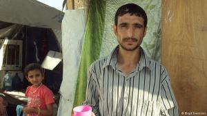 """سكان الموصل في خطر: لاجئ عراقي من الموصل إلى مخيم غزالية. وقد أعلن ستيفن اوبراين مساعد الأمين العام للأمم المتحدة للشؤون الإنسانية والإغاثة في حالات الطوارئ في بيان """"في أسوأ الأحوال، ونظرا لشدة الأعمال القتالية ونطاقها، قد يجبر أكثر من مليون شخص على الفرار من منازلهم"""". وشدد على أن الأطفال وكبار السن هم من بين الأكثر تعرضا للخطر."""