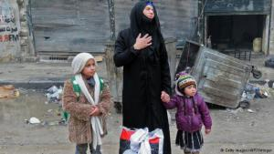 الكثير من الأسر فقدت معيلها وتحاول كل أم مثل هذه إنقاذ أطفالها من براثن الموت واللجوء معهم إلى مكان يقيهم وابل الرصاص والقذائف الذي يتعرض له من بقي في شرقي حلب.