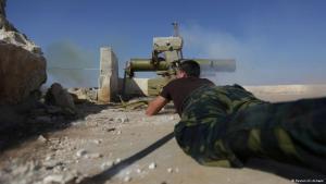 مسلح تابع للمعارضة السورية في حلب