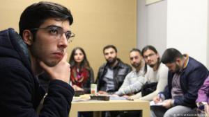 حلقة تدريبية لشباب مسلمين في مقر رئاسة الشرطة في مدينة كولونيا الألمانية. Foto:AvistaAssadi