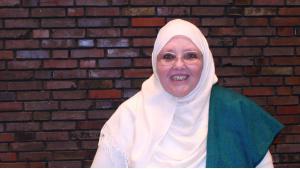الباحثة والفقيهة الإسلامية الألمانية الشيخة حليمة كراوزِن. Foto: Carolin Kubo