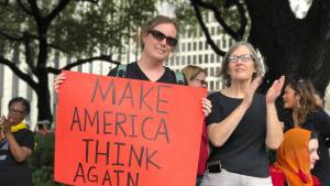 مظاهرة في واشنطن ضد الرئيس ترامب الصورة هدى شقراني