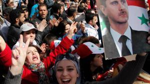 """""""مؤيدون للأسد"""" الصورة تعود إلى ما قبل عام 2013."""