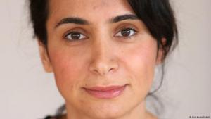 الصحفية الألمانية-التركية-الكردية تشيديم أكيول. Foto: Karl-Heinz Kuball