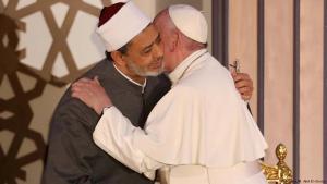 البابا فرانسيس يلتقي خلال زيارته لجامعة الأزهر في القاهرة بشيخ الأزهر أحمد الطيب. Foto: Reuters