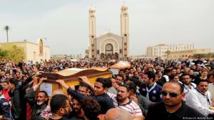 شيعت يوم الاثنين (العاشر من نيسان/أبريل 2017) بدير مارمينا العجائبي، غربي محافظة الإسكندرية المصرية، جنازة 11 جثماناً سقطوا في حادث التفجير الذي استهدف الكنيسة المرقسية بها.