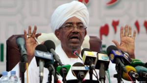 الرئيس السوداني عمر البشير وهو يلقي خطاباً في الخرطوم، عاصمة السودان.  Foto: AFP/Getty Images
