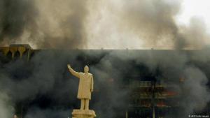 تمثال صدام حسين في بغداد. الصورة: ا.ف.ب