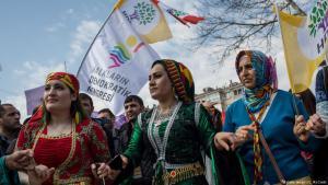 أكراد يحتفلون بعيد النوروز في اسطنبول. Foto: Chris McGrath/Getty Images