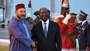 العاهل المغربي، الملك محمد السادس في ابيدجان مع الريس كواترو Foto: Getty Images/AFP