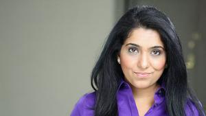 الممثلة الأمريكية الباكستانية عايزة فاطمة. (source: aizzah.wixsite.com)