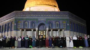 صلاة مسلمات في المسجد الأقصى في القدس