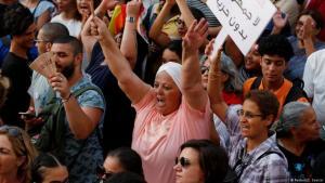 لا جمهورية بدون حرية..متظاهرون في تونس