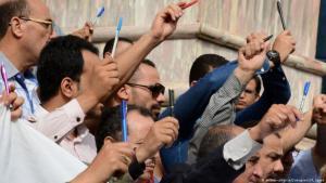 صحافيون في مصر يتظاهرون دفاعا عن حرية التعبير.