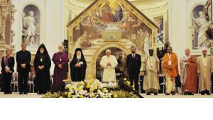 قد الفاتيكان لقاء أسيزي الثالث للحوار بين الأديان في كنيسة سيدة الملائكة مريم، برعاية من البابا بندكت السادس عشر، تخليداً للذكرى الخامسة والعشرين لملتقى الأديان
