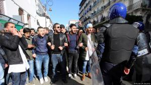 الاحتجاجات الاجتماعية في الجزائر في يناير / كانون الثاني 2018. Foto: Reuters