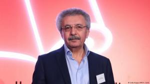 إبراهيم نصر الله يفوز بجائزة البوكر العربية لعام 2018