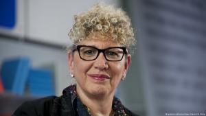 الكاتبة الإسرائيلية ليزي دورون.  Foto: picture-alliance/Sven Simon/A. Fleig