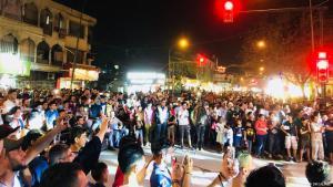 """العراق - مهرجان """"من الكرادة أختار الحياة"""" - بغداد تنفض غبار الموت - منطقة الكرادة البغدادية تعود زاهية إلى الحياة."""