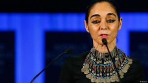 """الفنانة الإيرانية """"شيرين نشاط"""". Foto: Reuters"""